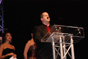 Drew Karpyshyn accepting Mass Effect's award for Best Writing in a Game Production at the 2nd annual Elans